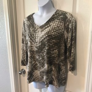 Chico's Easywear 3/4 sleeve Gray top sz 3X